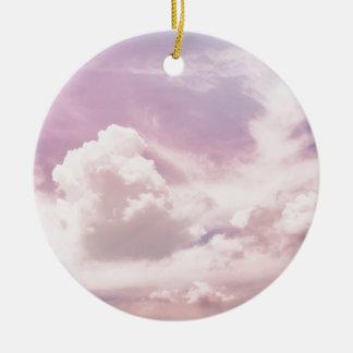 Schwimmen auf flaumige lila Wolken Rundes Keramik Ornament