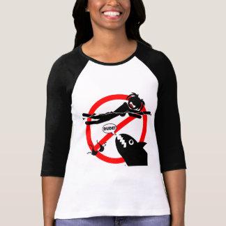 Schwimmen-GefahrenShirts und -kleid. T-Shirt