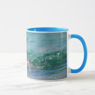 Schwimmen mit einem Baby-Siegel Tasse