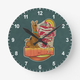 "Scooby-Doo | Stapel von Pizza ""Munchies"" Grafik Runde Wanduhr"