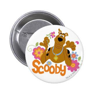 Scooby in den Blumen Runder Button 5,1 Cm