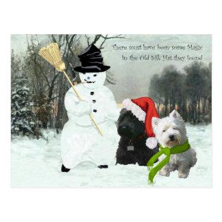 Scottie und Westie mit Schneemann Postkarte