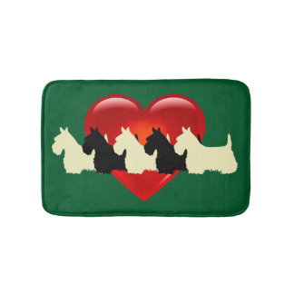 Scottish Terrier/rotes Herz/Kelly/irisches Grün Badematte