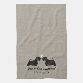 Sealyham Terrier-Silhouetten mit Herzen und Text Handtuch