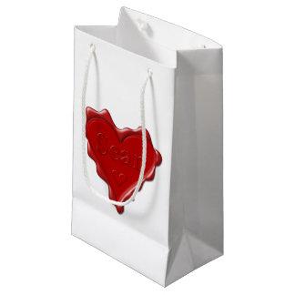 Sean. Rotes Herzwachs-Siegel mit NamensSean Kleine Geschenktüte