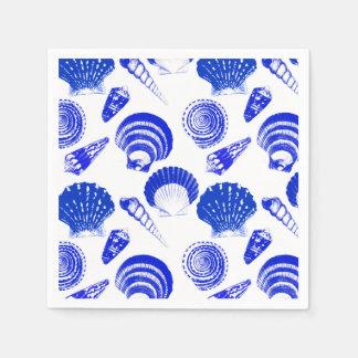 Seashells - Kobaltblau auf einem weißen Serviette