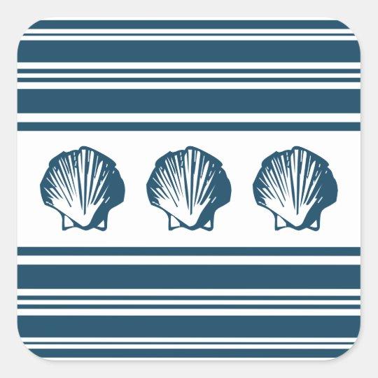 Seashells und Streifen Quadratischer Aufkleber