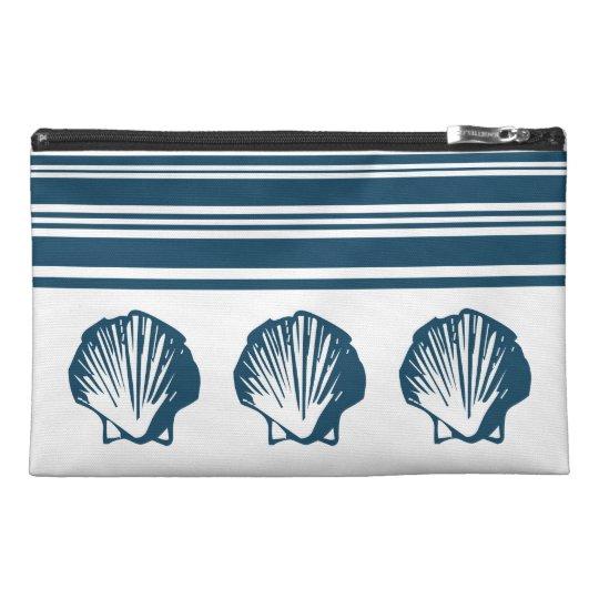 Seashells und Streifen Reisekulturtasche