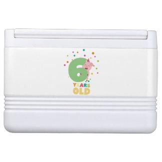 Sechs des alten 6. Geburtstags-Jahre Party-Z7oge Kühlbox
