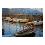 See Como, traditionelles Seeboot im Jachthafen Plakat