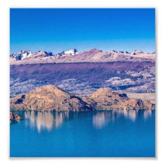 See-und Gebirgslandschaft, Patagonia, Chile Fotodruck