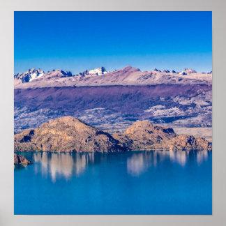See-und Gebirgslandschaft, Patagonia, Chile Poster