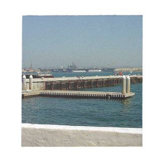 Seehafen-Dorf-Flugzeugträger-Pier-Wasser-Bucht D Memo Notiz Pads
