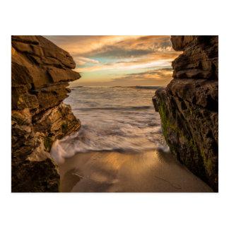 Seehöhle an Windansea Strand Postkarte