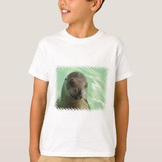 Seelöwe mit Fisch-KinderT - Shirt