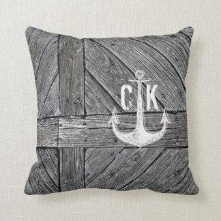 Seemonogramm des rustikalen hölzernen Vintagen Kissen