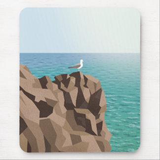 Seemöwe, die heraus zum Meer schaut Mousepad