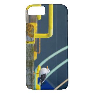Seemöwe in einem abstrakten environt iPhone 8/7 hülle