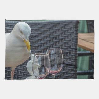 Seemöwe und leeres Glas-Geschirrtuch Handtuch