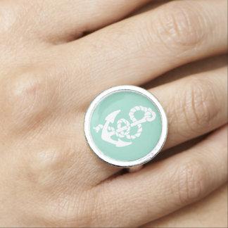 Seemuster des tadellosen und weißen Ankers Ring