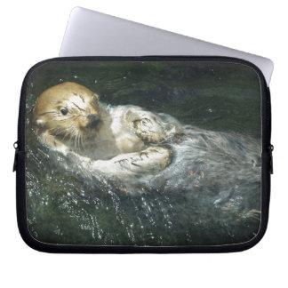 - Seeotter weg treiben Laptopschutzhülle