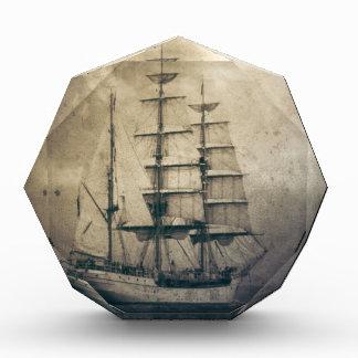 Seeozean-SeeVintages Segelnsegelboot Auszeichnung