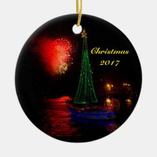 Segelboot 2017 und Feuerwerke Keramik-runde Keramik Ornament