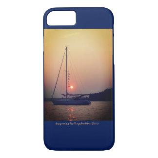 Segelboot am Fall des Sonnenuntergangs iPhone 8/7 Hülle