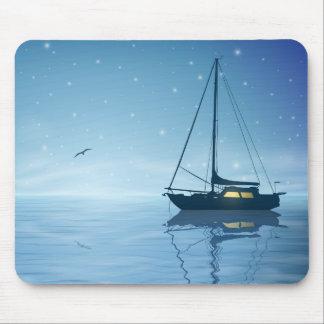 Segelboot an der Nachtmausunterlage Mauspad