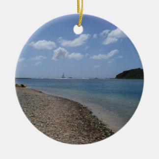 Segelboot im Abstand in St Thomas Keramik Ornament