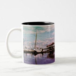 Segelboot-Landschafts-Tasse Zweifarbige Tasse