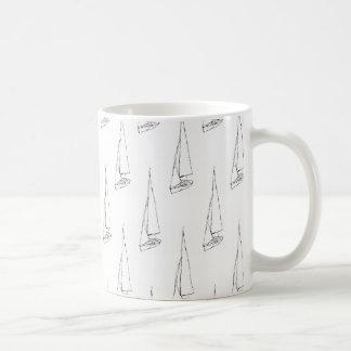 Segelboot-Muster. Schwarzweiss. Kaffeetasse