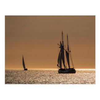 Segelboote auf Ufer der Ostsee Postkarte