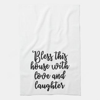 Segnen Sie dieses Haus mit Liebe und Gelächter Handtuch