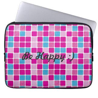 Seien Sie:) buntes Fliesen-Muster glücklich Laptop Sleeve