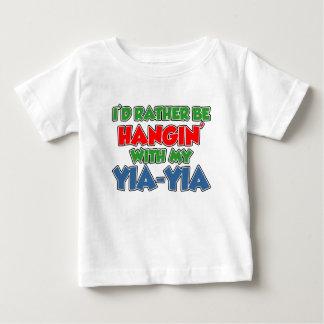 Seien Sie eher mit Yia-Yia Baby T-shirt