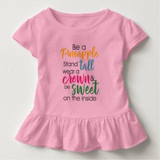 Seien Sie eine Ananas-Abnutzung ein Krone u. seien Kleinkind T-shirt