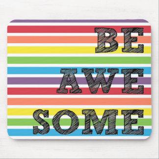 Seien Sie fantastischer Regenbogen Striped Mauspads
