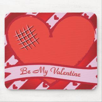 Seien Sie mein Valentinsgruß mit rotem Herzen und  Mauspad