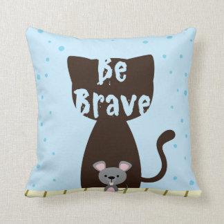 Seien Sie tapfere Katze und niedliche Maus Kissen