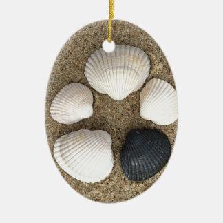 Seien Sie unterschiedlich Keramik Ornament