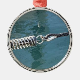 Seilriemen mit Sicherheitsankerfessel Rundes Silberfarbenes Ornament