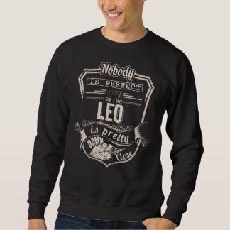 Sein LÖWE ist hübsch. Geschenk-Geburtstag Sweatshirt