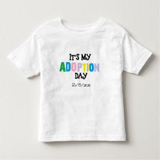 Sein mein Adoptionstag durch ozias Kleinkind T-shirt