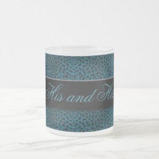 Seins und seine blauer mattglastasse