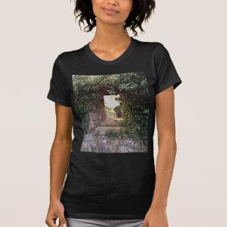 Seitenscheibe an der WestKirche Culross T-Shirt