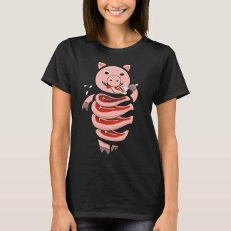 Selbst, der das Kannibale-Schwein geschnitten in T-Shirt
