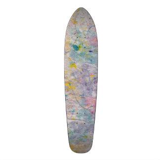 Selbst gemachtes Papier mit bunten Massen-Akzenten Bedrucktes Skateboard