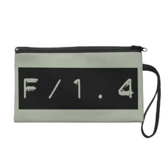 Selektiver FokusF/1.4 wristlet-Film-Tasche Wristlet