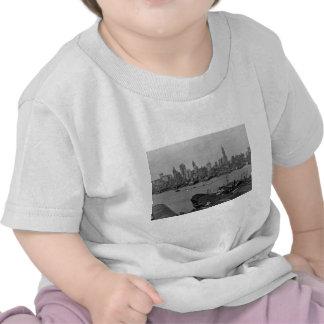 Senken Sie New- YorkSkyline East River New York Tshirt